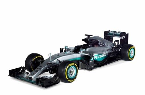 """Dieses Foto veröffentlichte Daimler auf Twitter – mit folgendem Text: """"Ladies and Gentlemen! Wir stellen vor... den @MercedesBenz #F1 W07 Hybrid Silberpfeil! #WeAreW07"""" Foto: Daimler"""