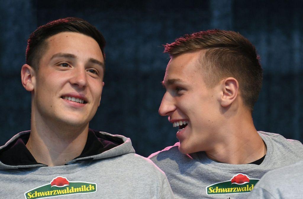 Keven Schlotterbeck (li.) trifft mit dem 1. FC Union Berlin auf seinen Bruder Nico. Foto: dpa/Patrick Seeger