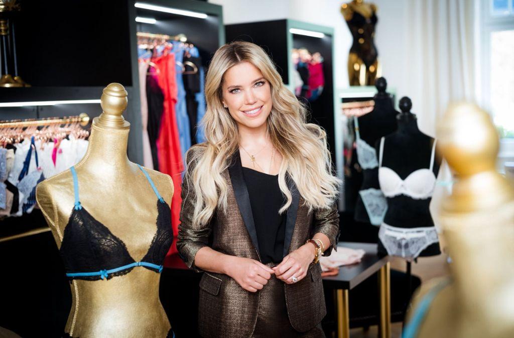 """Die Moderatorin Sylvie Meis hat eine eigene Wäsche-Marke und sucht in der Sendung """"Sylvies Dessous Models"""" die perfekte Vertreterin ihres Unternehmens. Foto: RTL"""
