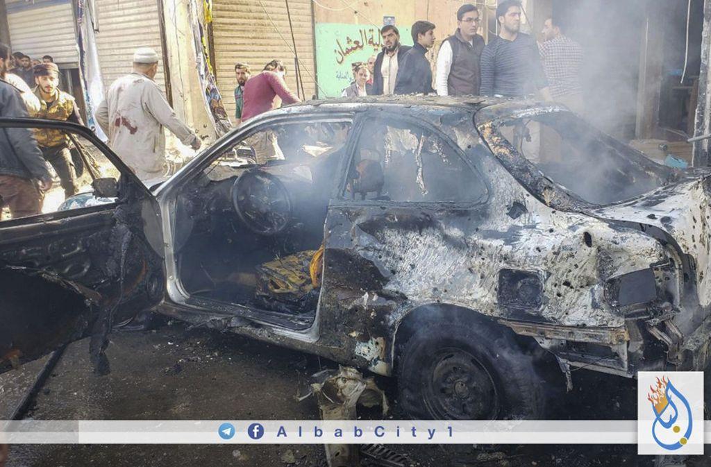 Bei dem Autobombenanschlag im Norden Syriens sind mehrere Menschen ums Leben gekommen. Foto: AP