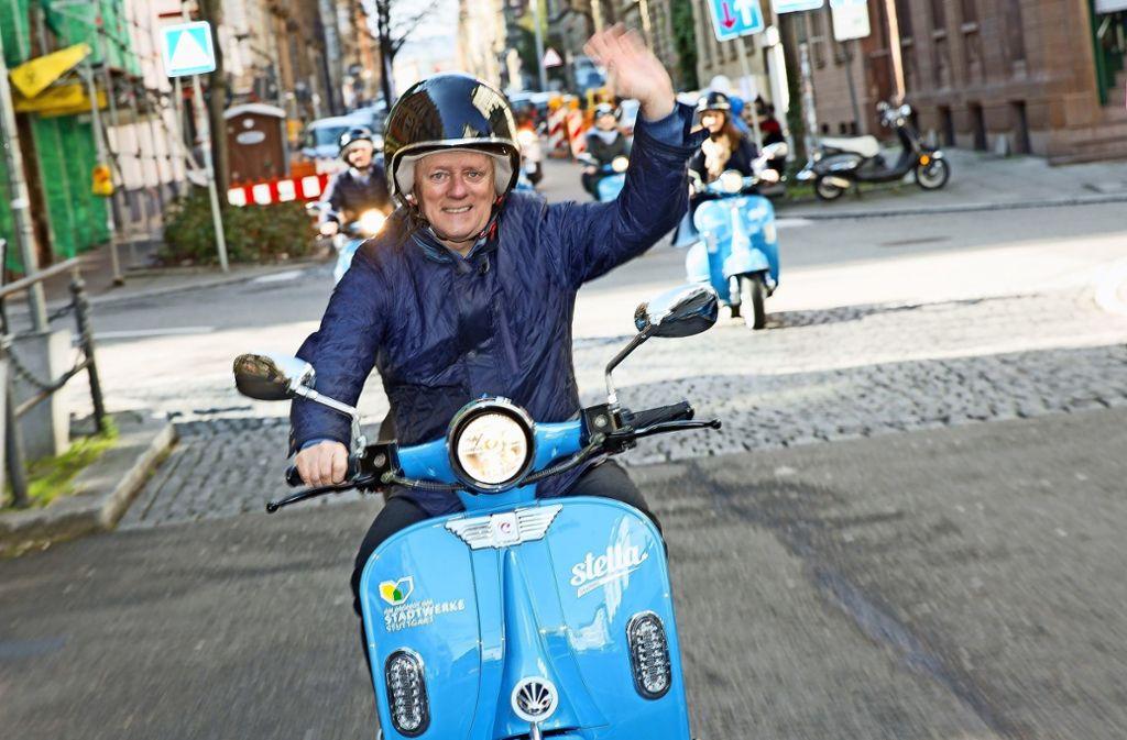 Hat die Stella-Roller für die neue Saison getestet: OB Fritz Kuhn. Foto: Lg/Leif Piechowski