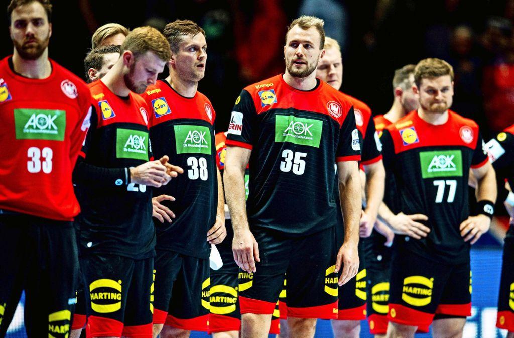 Enttäuscht und ratlos: Die deutschen Handballer nach der Pleite gegen Spanien. Foto: imago/Vegard Wivestad
