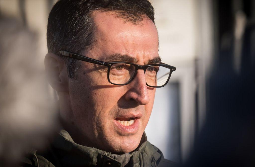 Cem Özdemir von den Grünen weist den Angriff der CDU-Mittelstandsvereinigung auf Verkehrsminister Winfried Hermann zurück. Foto: Lichtgut/Achim Zweygarth