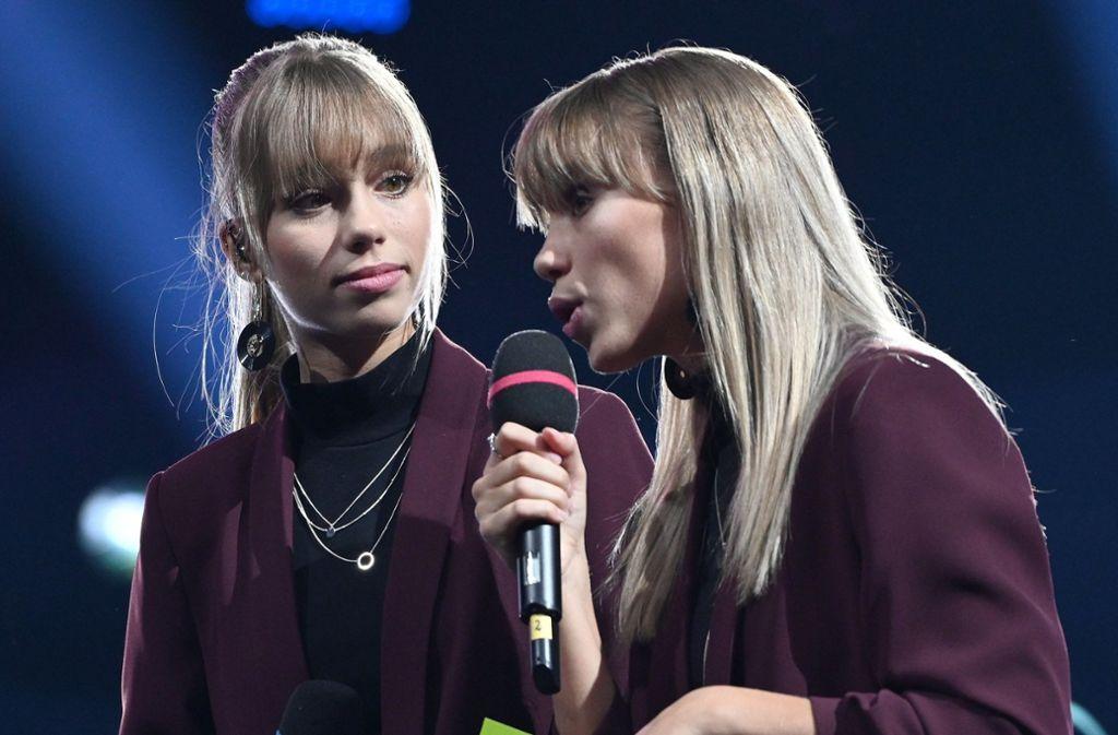 """Die Influencerinnen Lisa und Lena aus Stuttgart haben die Kampagne """"Be yourself"""" gestartet. Foto: dpa"""
