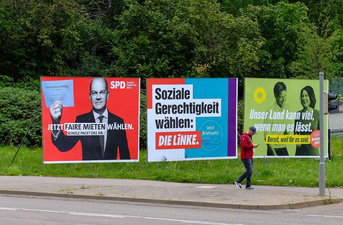 Auf den ersten Blick haben Wahlplakate wenig Inhalt. Auf den zweiten Blick lassen sich oft interessante Botschaften entdecken. Foto: Lichtgut/Max Kovalenko