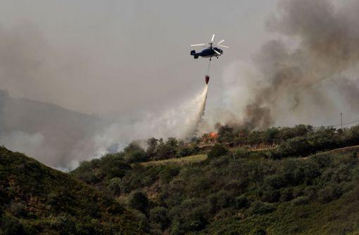 Waldbrand schwächt sich ab