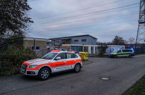 Arbeiter stürzt in Klärbecken und verletzt sich schwer
