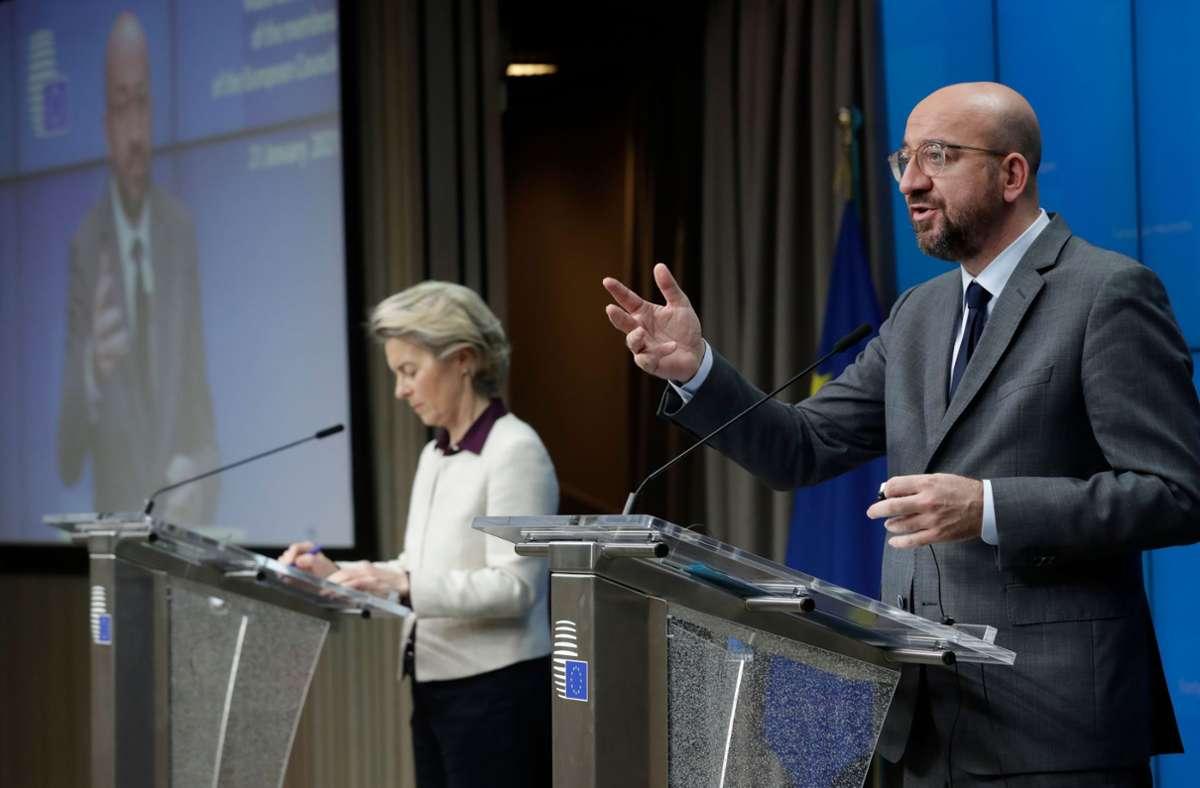 Kommissionspräsidentin von der Leyen und Ratspräsident Michel stellen die Ergebnisse vor. Foto: AFP/OLIVIER HOSLET