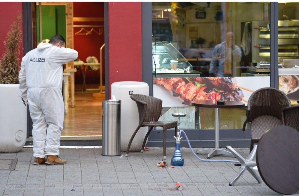 In diesem Restaurant hat der Täter angefangen, mit einem großen Messer wild um sich zu schlagen. Foto: AFP