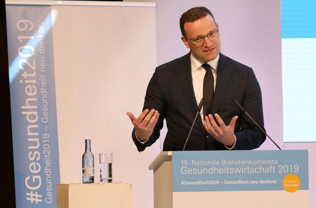 Jens Spahn bei der 15. Nationalen Branchenkonferenz Gesundheitswirtschaft in Rostock Foto: dpa