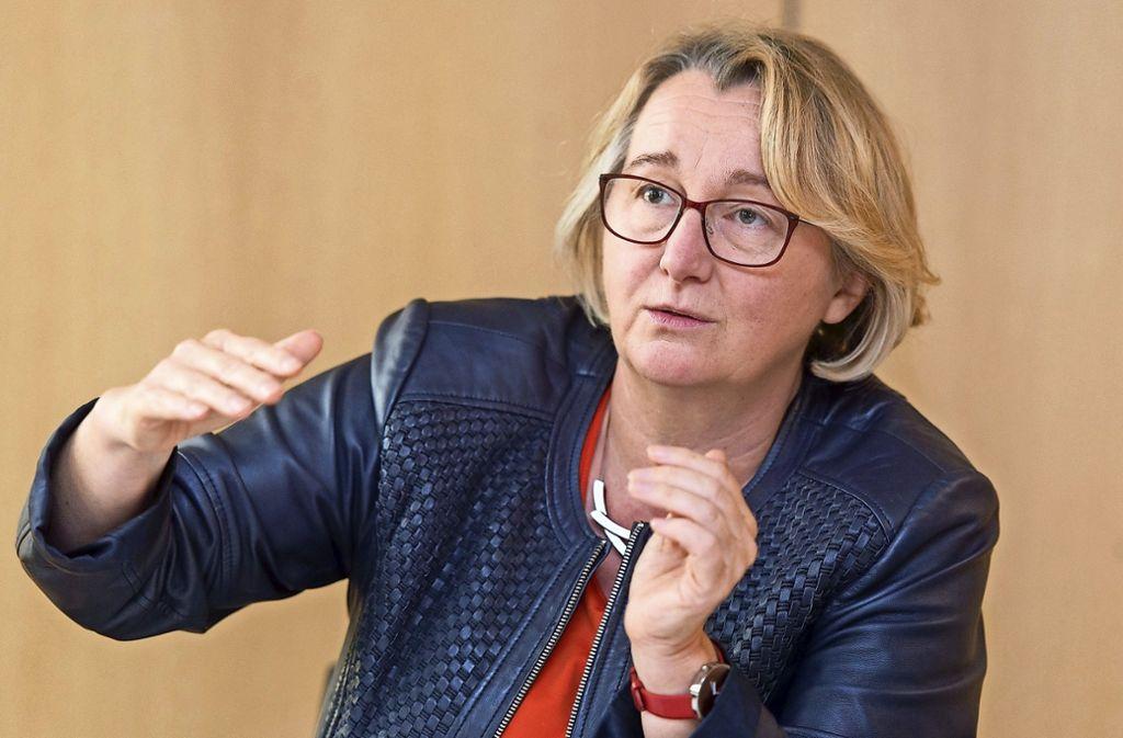 Aus der Zulagenaffäre an baden-württembergischen Hochschulen zieht Ministerin Theresia Bauer (Grüne) nun Konsequenzen. Foto: dpa