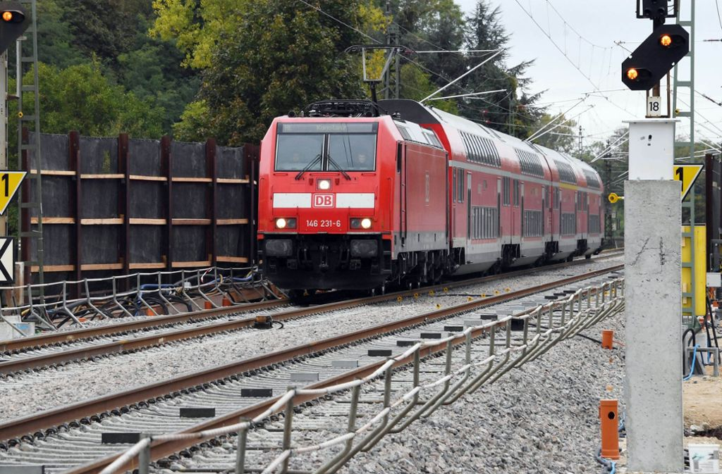 Auf der Strecke der Rheintalbahn ist es zu einem Vorfall gekommen. Foto: dpa/Uli Deck