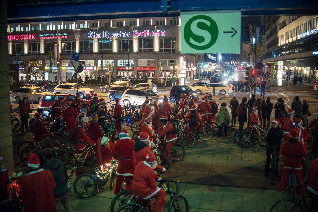Am Nikolausride in Stuttgart haben auch in diesem Jahr wieder etliche Mitglieder der Stuttgarter Downhill-Community teilgenommmen. Wir haben die Bilder. Foto: www.7aktuell.de | Florian Gerlach