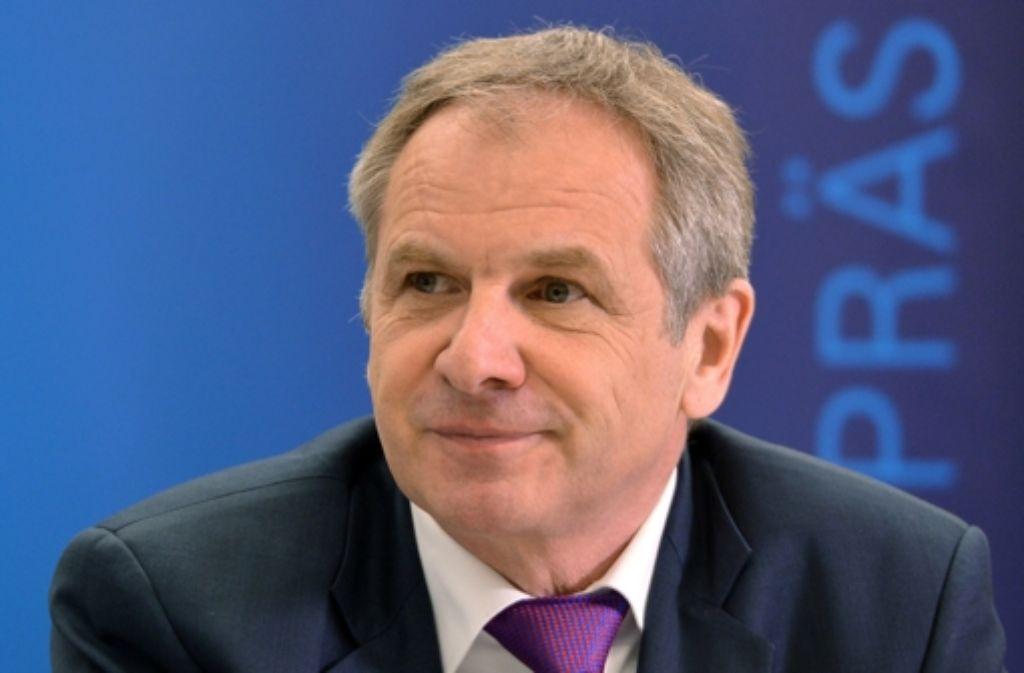 Innenminister Reinhold Gall berichtet über die Kriminalitätsstatistik – letztmals. Foto: dpa