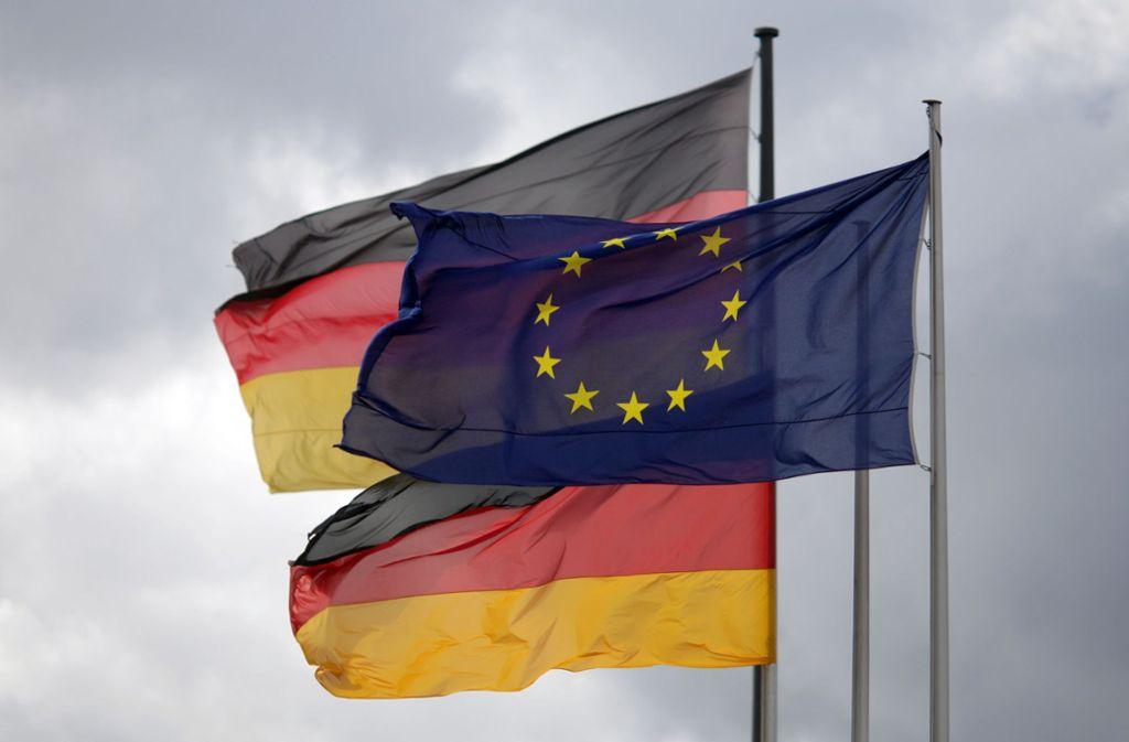 Am 1. Juli nächsten Jahres übernimmt Deutschland für sechs Monate den Vorsitz im EU-Ministerrat – die Grünen kritisieren den Stand der inhaltlichen Vorbereitung scharf. Foto: dpa/Kay Nietfeld