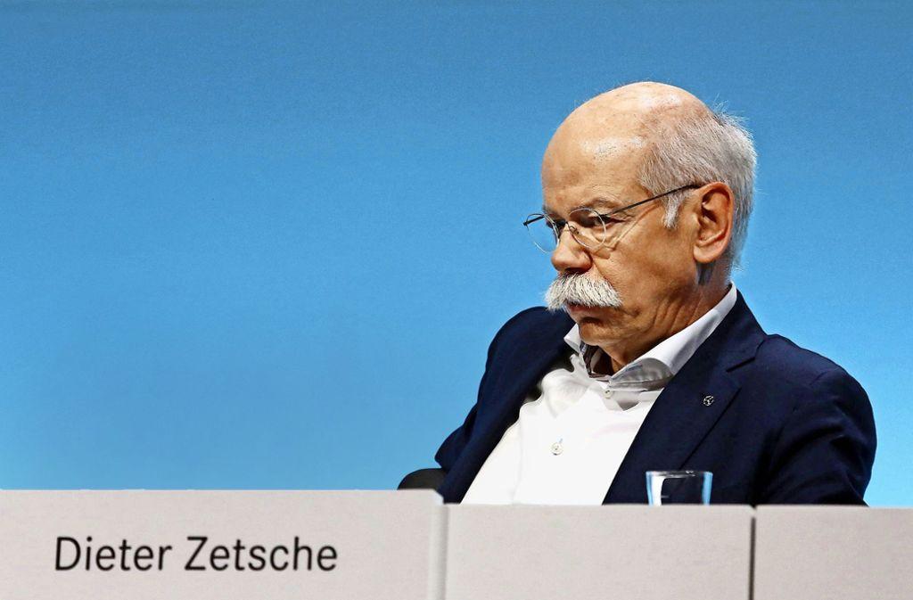 Abgasskandal, drohende Fahrverbote,   Experimente mit Affen und Menschen – der Diesel setzt Daimler-Chef Zetsche unter Druck. Foto: imago stock&people