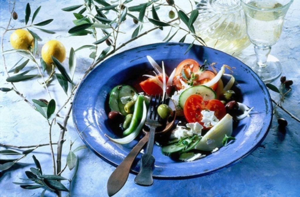 Viel Fisch, Gemüse, Früchte und Olivenöl sind für mediterrane Kost unerlässlich. Foto: dpa