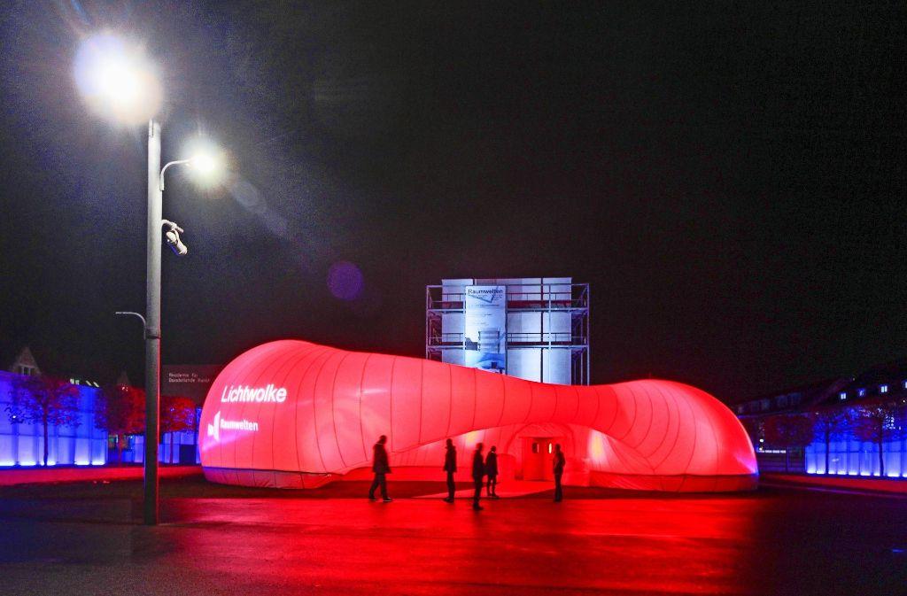 Der Pavillon auf dem Akademiehof dient als   zentraler Veranstaltungsort Foto: factum/Archiv