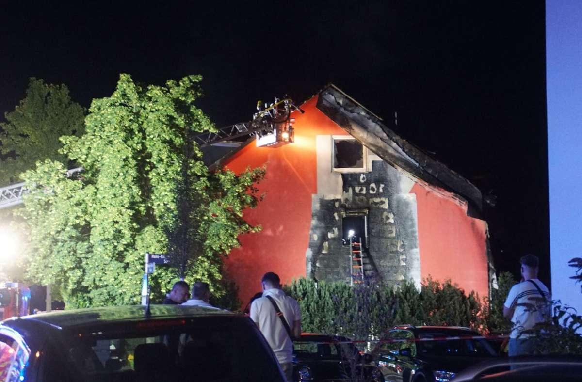 Zwei Gebäude sind durch den Brand unbewohnbar. Foto: SDMG/Gress