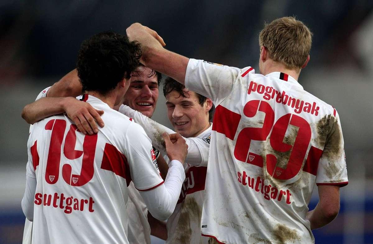 Die Stuttgarter Profis bejubeln den Kantersieg gegen Borussia Dortmund. Foto: imago sportfotodienst