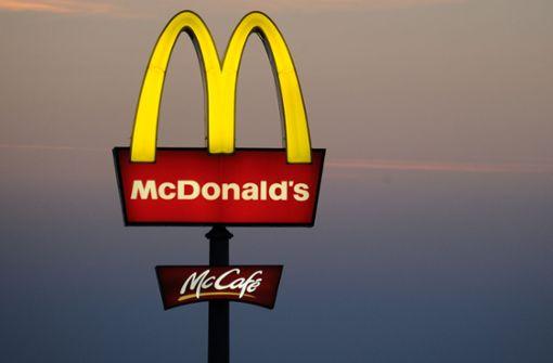 Maskierte rauben McDonalds aus
