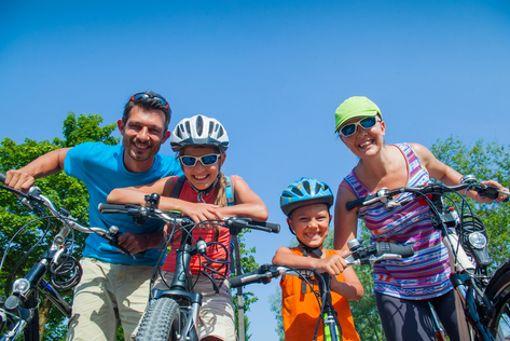 Zusammen macht Biken noch viel mehr Spaß - vor allem in den Ferien und am Wegesrand unserer beiden Touren gibt es viel zu entdecken, wie ...