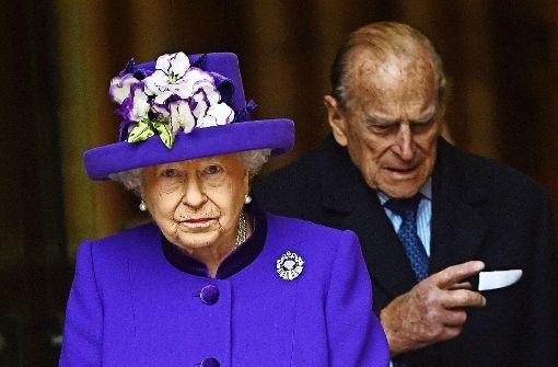 Prinz Philip geht, die Queen bleibt