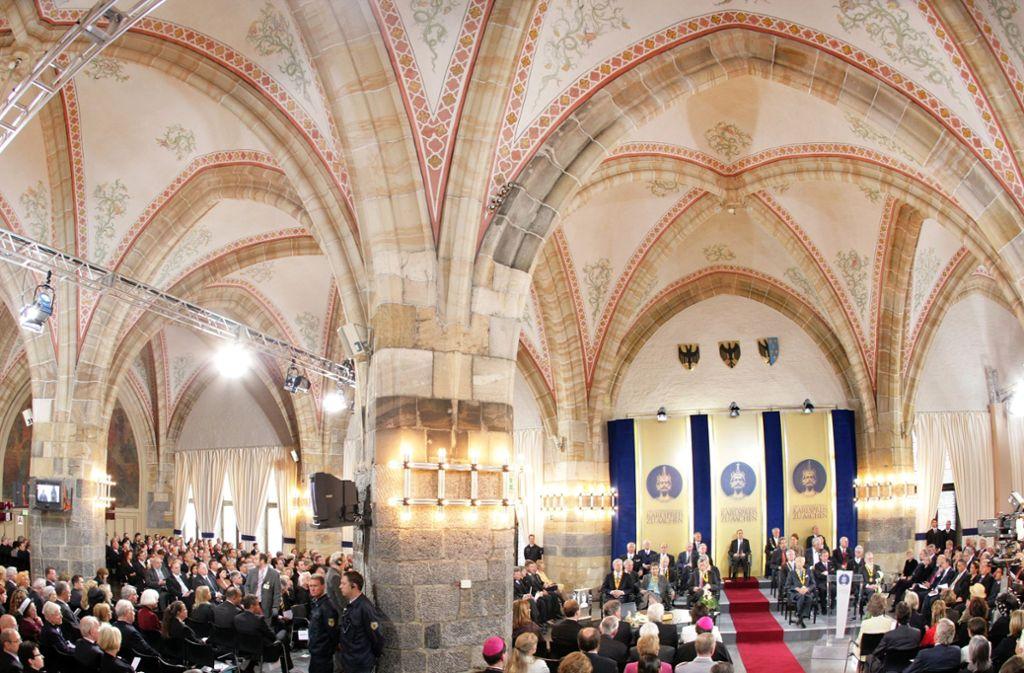 Im Krönungssaal des Aachener Rathauses wollen Angela Merkel und Emmanuel Macron das neue deutsch-französische Abkommen am 22. Januar unterzeichnen. Foto: dpa
