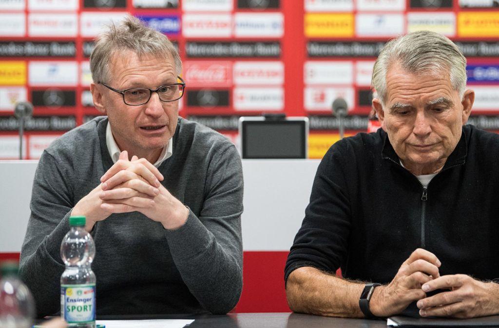 Michael Reschke (l.) und Wolfgang Dietrich – hier im Januar 2018 nach der Entlassung von Hannes Wolf. Foto: dpa