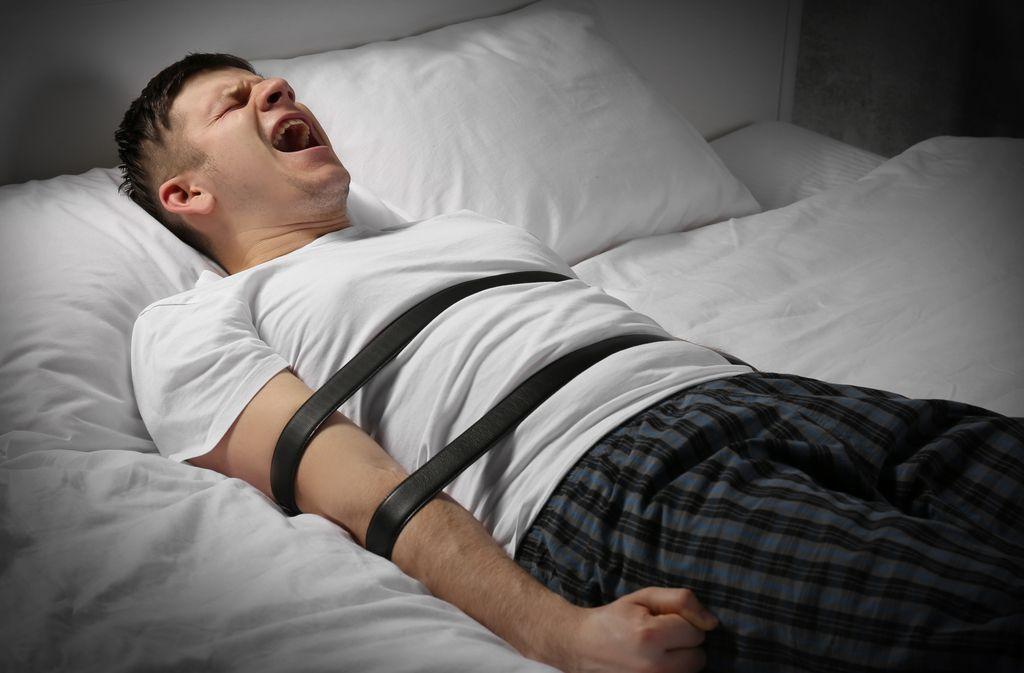 Unheimlich, aber harmlos: die Schlafparalyse. Foto: Africa Studio / shutterstock.com