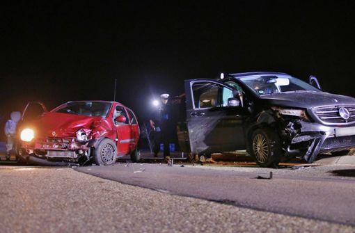 Fahrerinnen und kleine Kinder verletzt
