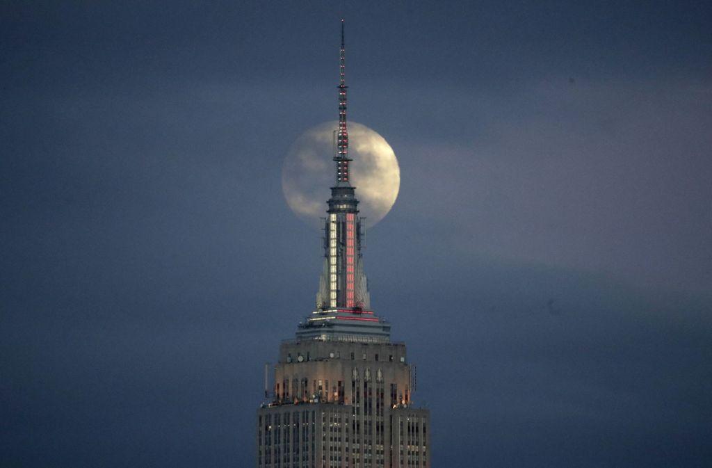 Weitere Eindrücke von der totalen Mondfinsternis. Foto: AP