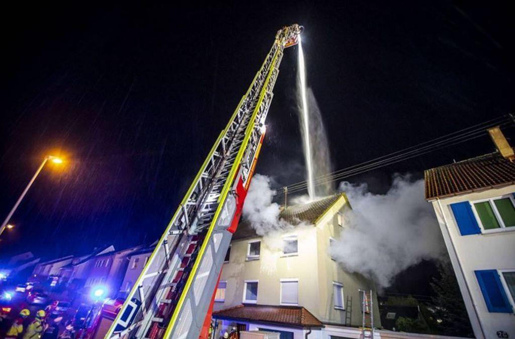 Bei einem Brand in Remseck am Neckar kam eine Frau ums Leben. Foto: 7aktuell.de