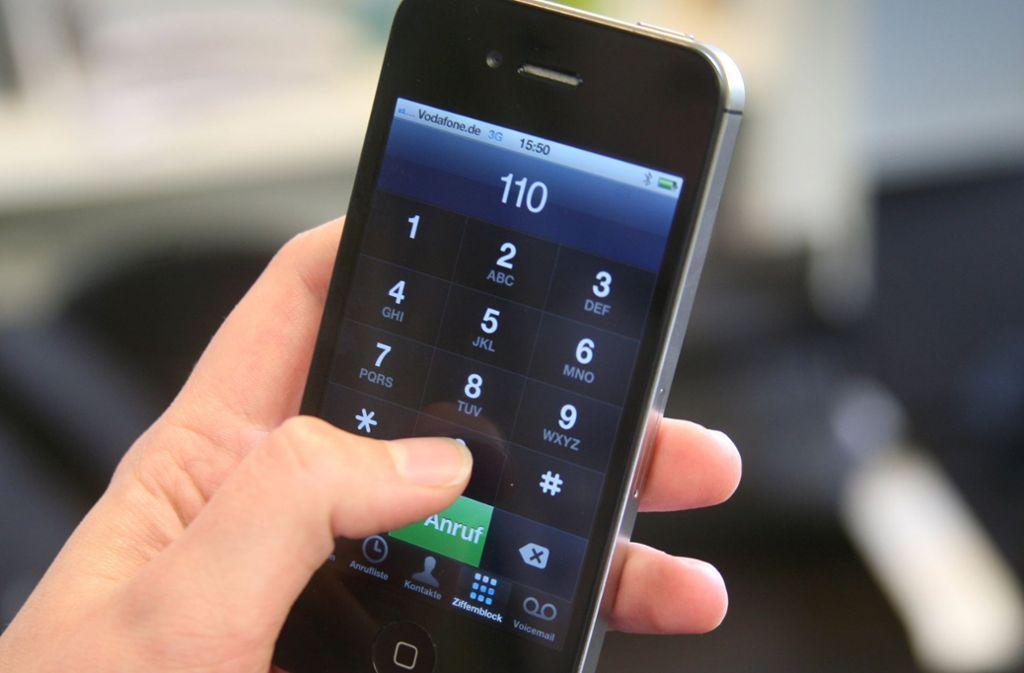 Die Mutter belebte ihr Kind per Telefon-Anweisung wieder. Foto: dpa