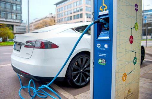 Für das  Elektroauto ist der Weg aus  dem Nischendasein weit
