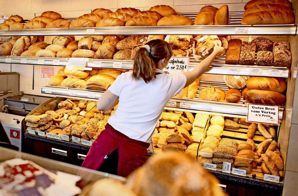 Die Mitarbeiter der Bäckerei Treiber mussten in den vergangenen Wochen immer wieder morgens die Polizei rufen, weil eingebrochen wurde. Foto: dpa