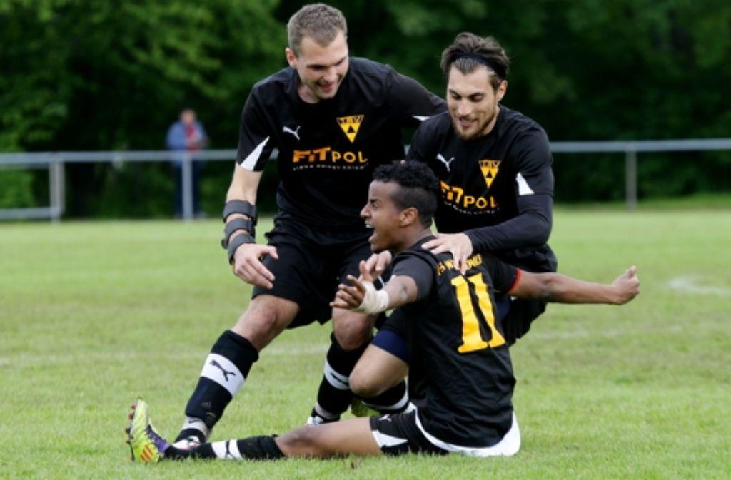 Jubeln wie die erste Mannschaft: der TSV Weilimdorf II will die Klasse halten. Foto: Baumann