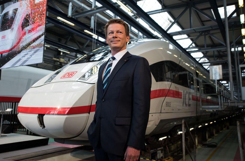 Bahn-Chef Richard Lutz kann zufrieden sein: Die DB hat 2019 einen  Fahrgastrekord im Fernverkehr aufgestellt. Foto: dpa/Bernd von Jutrczenka