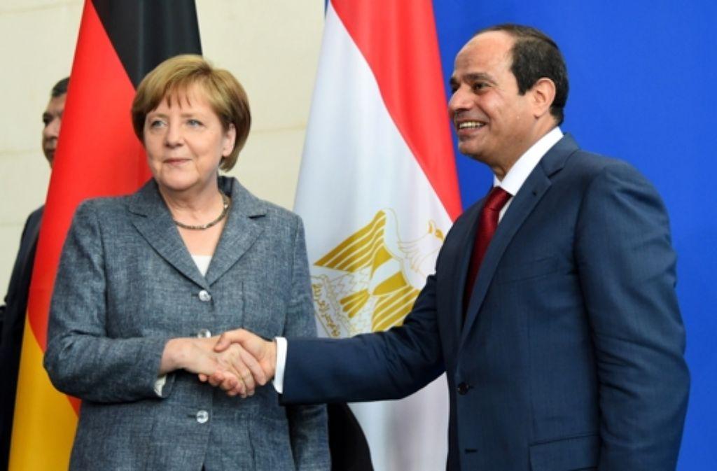 Kanzlerin Angela Merkel und Ägyptens Präsident Abd al-Fattah Said Husain Chalil as-Sisi am Mittwoch in Berlin. Foto: AFP