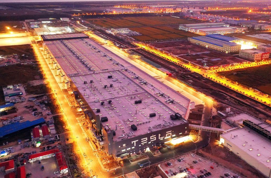 So oder so ähnlich könnte die Tesla-Gigafactory im brandenburgischen Grünheide einmal aussehen, wenn sie fertig ist.  (Symbolfoto) Foto: imago images