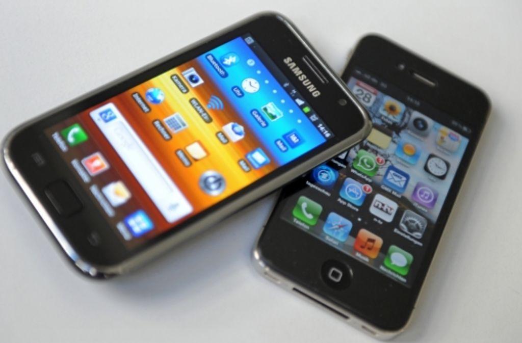 Im Patentsteit mit Samsung sind Apple nun 120 Millionen Dollar zugesprochen worden.  Foto: dpa