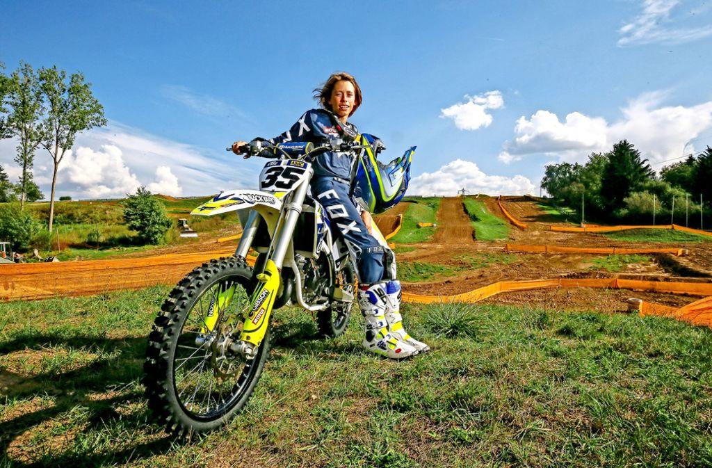 Der 13-jährige Jona Katz aus Holzgerlingen hat schon viele Siege im Motocross eingefahren. Foto: factum/Granville