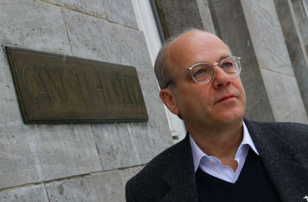Jesuitenpater Klaus Mertes appelliert an die katholische Kirchenführung. Foto: dpa
