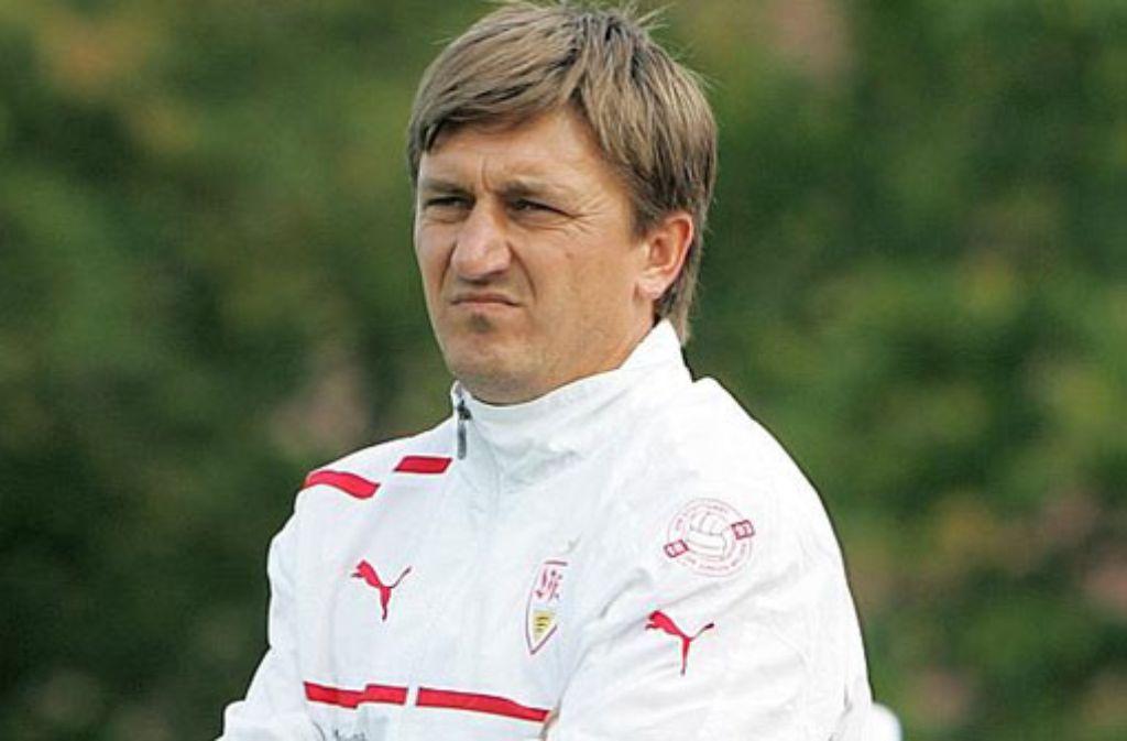 VfB-Trainer Ilija Aracic und seine Mannschaft erwarten die Stuttgarter Kickers im Pokalfinale. Foto: Pressefoto Baumann