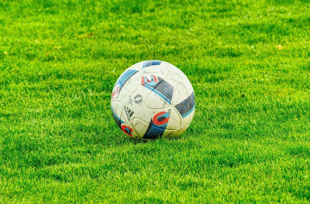 Aufgrund des Coronavirus wurden sämtliche Fußballspiele abgesagt. Doch das hielt die Social-Media-Teams vom MSV Duisburg und dem FC Schalke 04 nicht ab, trotzdem über ihre Spiele zu twittern. (Symbolbild) Foto: z/pixabay