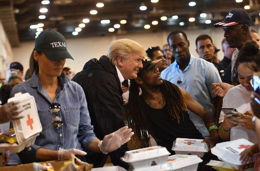 Donald Trump trifft bei zweitem Houston-Besuch Opfer