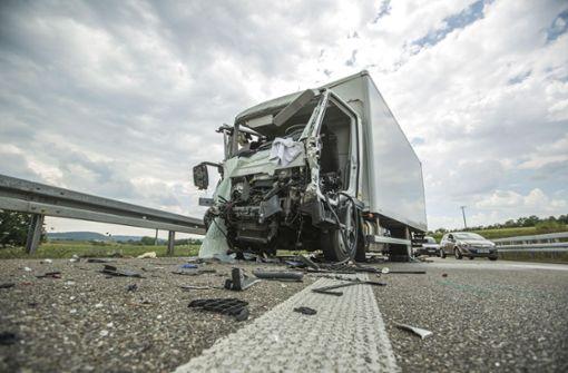 B14 Richtung Backnang über Stunden gesperrt