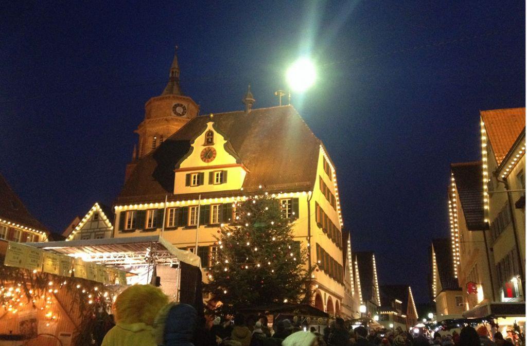 In Weil der Stadt gibt es jetzt doch eine Art Weihnachtsmarkt. Foto: Slotwinski