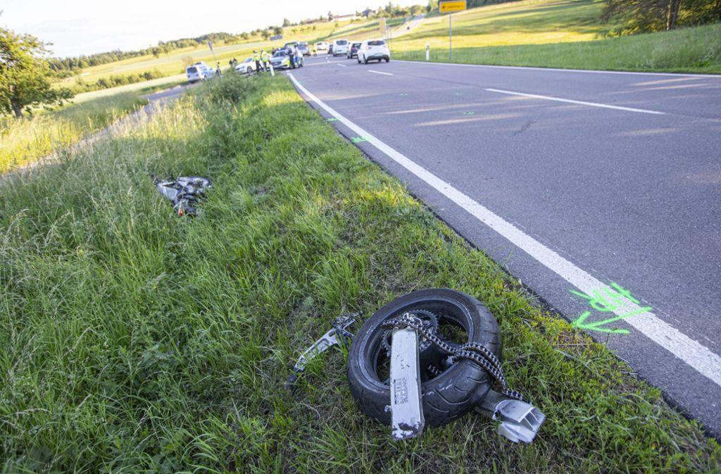 Ein 80-jähriger Biker überholte eine Kolonne von mehreren Fahrzeugen, unter anderem auch einen Lkw. Foto: 7aktuell.de