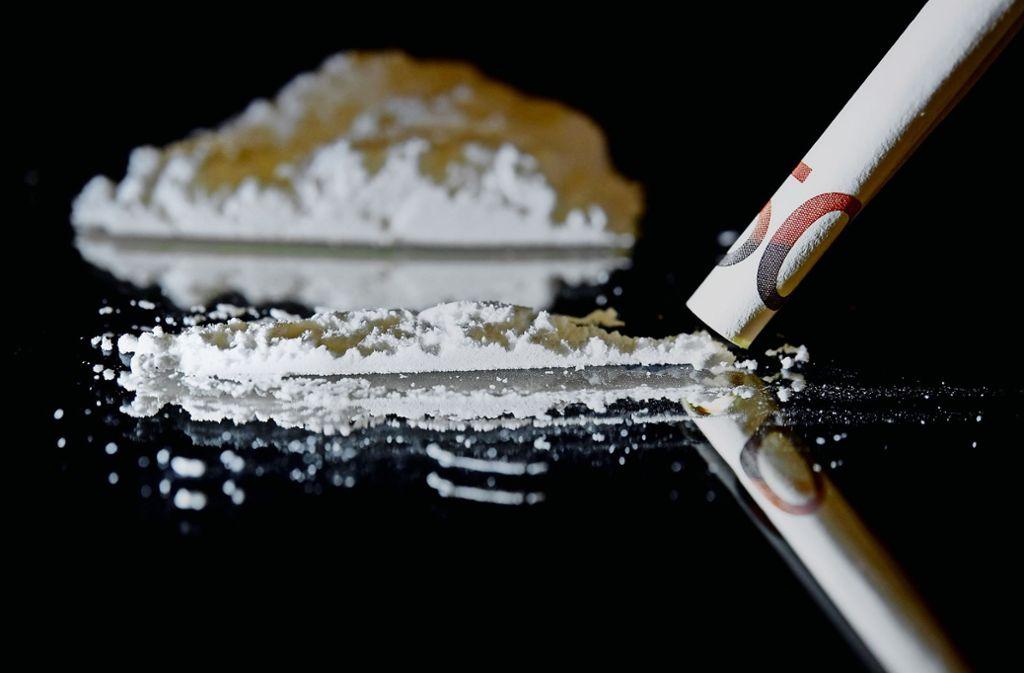 Bei einer Hausdurchsuchung fand die Polizei ein halbes Kilo Kokain (Symbolbild). Foto: dpa/David-Wolfgang Ebener